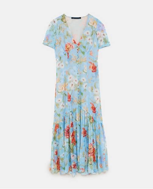 Mittellanges Kleid mit Blumenmuster, von Zara, um 60 Euro.