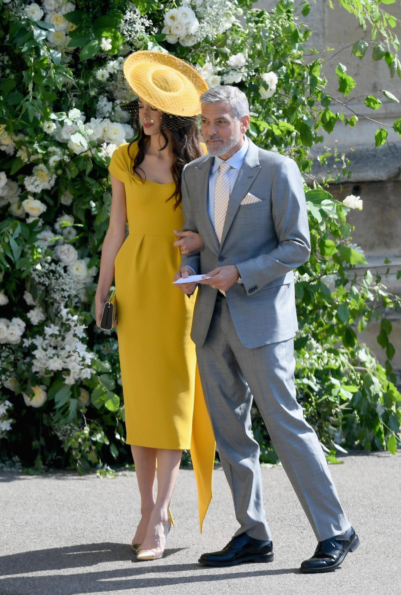 Hollywoods Crème de la Crème: In strahlendem Sonnengelb verzaubernGeorge und Amal Clooney.