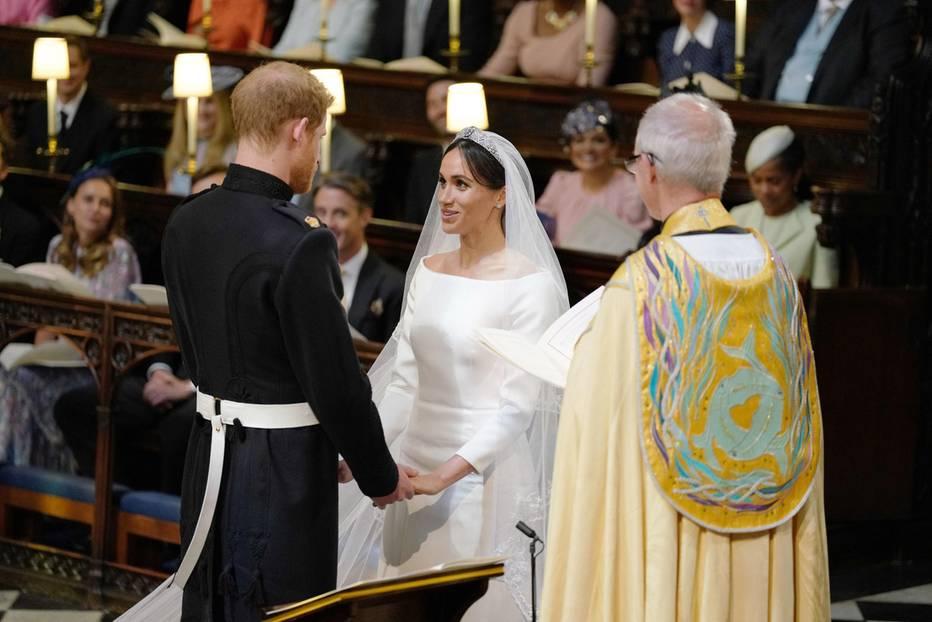 Harry und Meghan sprechen ihre Ehe-Gelübde.