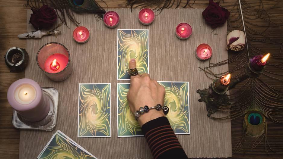 Diese Tarotkarte passt zu deinem Sternzeichen