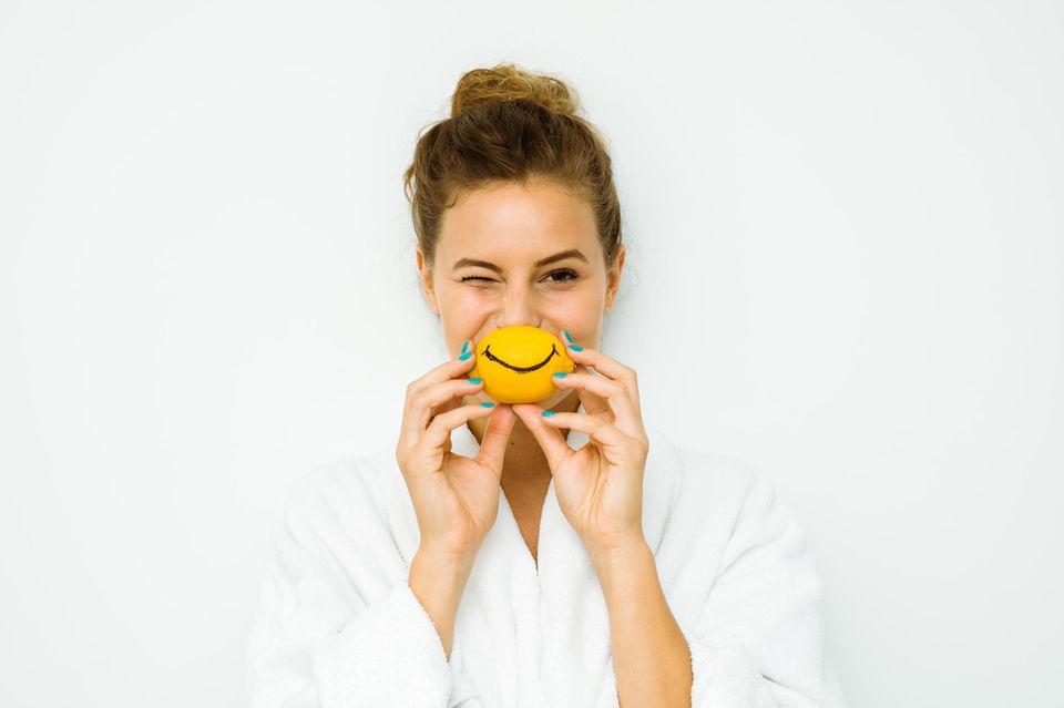 Fruchtsäure – so gut hilft sie gegen Falten