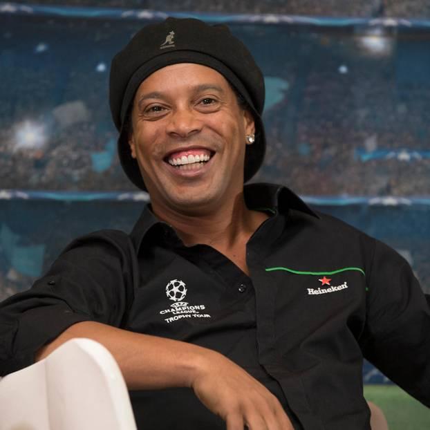 Ronaldinho Frau