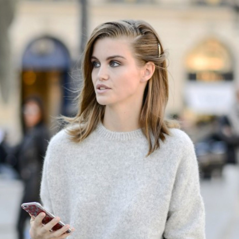 Frisuren bei Hitze: Haaransätze mit Stylingcreme