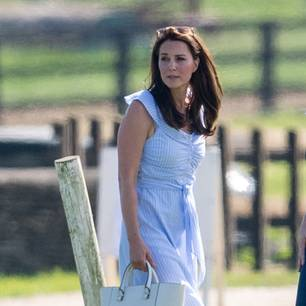 Herzogin Kate in einem Zara Kleid