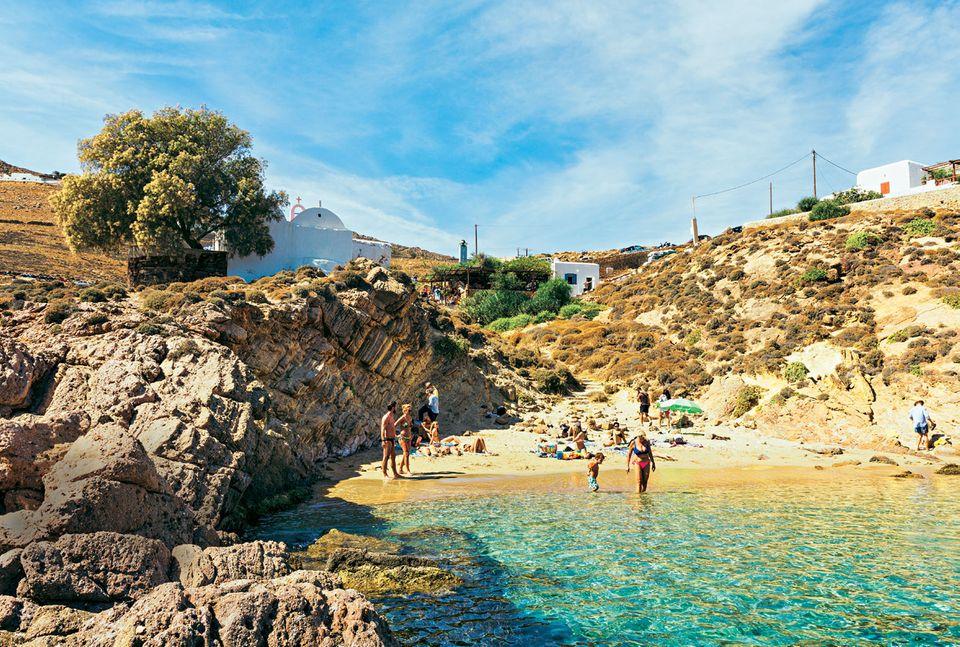 Mykonos Reisetipps: Mini-Bucht mit Felsen