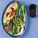 Lachs mit Gemüse & Chili-Soja-Soße