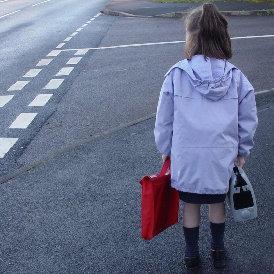 Eltern vergessen ihre Tochter auf dem Rastplatz