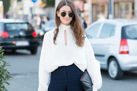 Outfit mit Palazzo-Hose und weißer Bluse