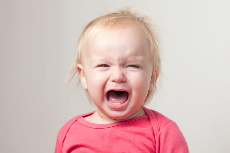 Nachbarn rufen Polizei, weil das Baby zu laut schreit - doch die Eltern reagieren mit Humor
