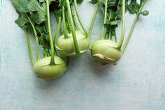 Kohlrabi pflanzen: Knollen in der Küche