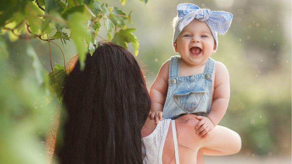 Babynamen aus der Natur: Lachendes Baby