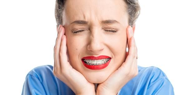 Schiefe Zähne: Will ich mit 40 echt noch ne Zahnspange?