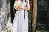 Romantik: Model mit weißem Maxikleid