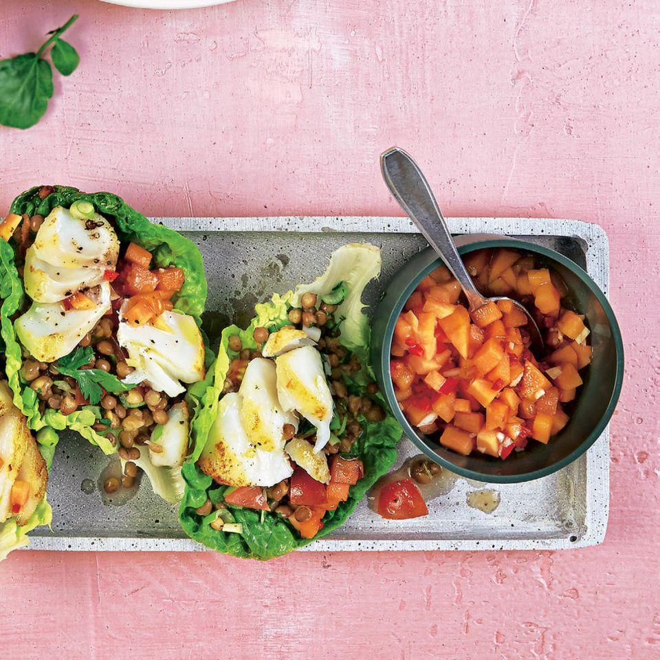 Fisch-Tacos & Papaya-Mole