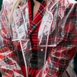 Trends, die aussterben müssen: Durchsichtige Plastik-Jacke