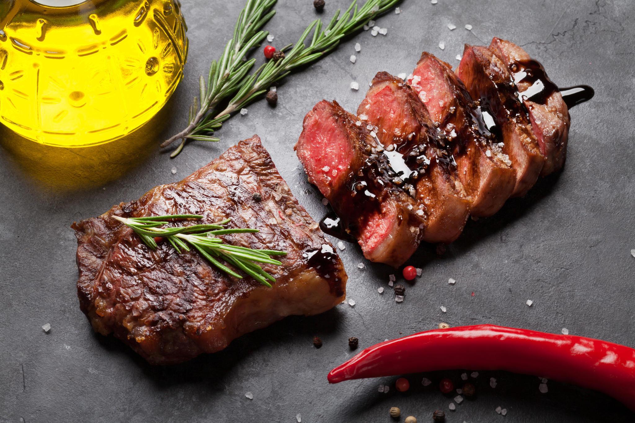 rib-eye-steak-grillen-so-gelingt-es-garantiert