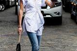 Sommer-Streetstyles: Skinny Jeans und Tunika-Bluse