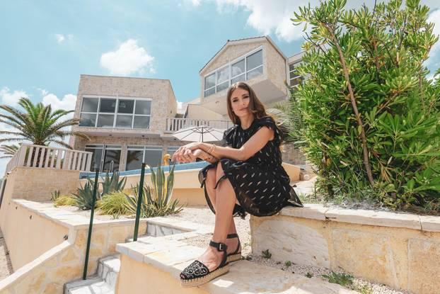 Lebt auf großem Fuß: Cathy Hummels