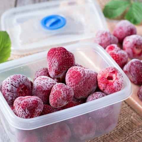 Erdbeeren einfrieren: Gefrorene Erdbeeren in Dose