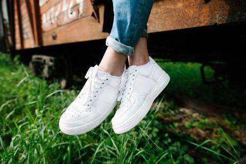 Schuhe putzen: Saubere Sneakers