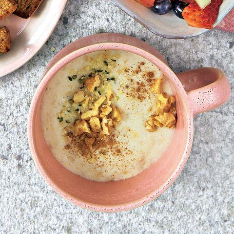 Overnight-Protein-Porridge mit Obstsalat