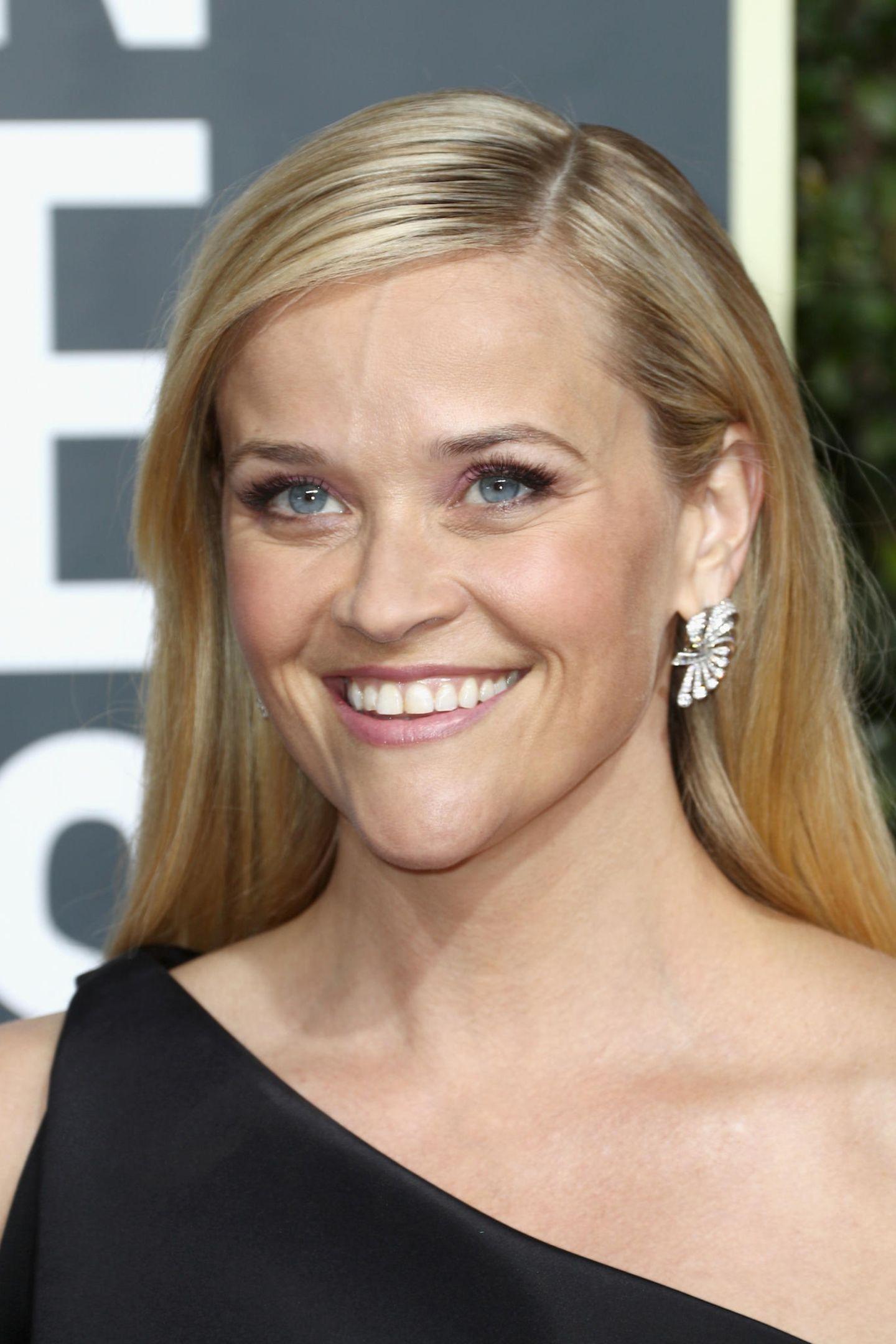 Frisuren, die jünger machen: Reese Witherspoon mit Seitenscheitel