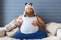 Bauchansatz und Bierfahne: Diese Dinge finden wir an Männern anziehend