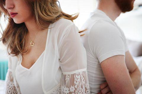 Scheidungsanwältin über Ehe-Aus: Pärchen im Schlafzimmer
