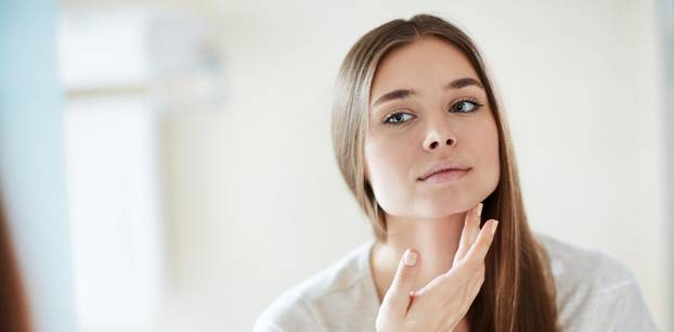 Teebaumöl - so kann es unserer Haut helfen