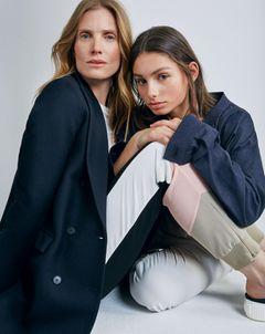 Mutter-Tochter-Looks: Mutter und Tochter in sportlichem Look