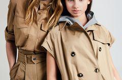 Mutter-Tochter-Looks: Mutter und Tochter im beigen Safari-Look