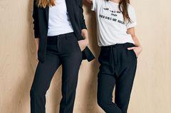 Mutter-Tochter-Looks: Mutter und Tochter in lässigen Business-Outfits