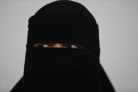Frau in Burka