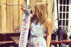 Massachusetts: Schönheitskönigin gibt Krone zurück