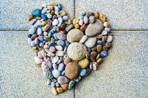 """""""Es gibt nicht ein nur ein Lebensmodell"""": Herz aus Steinen"""