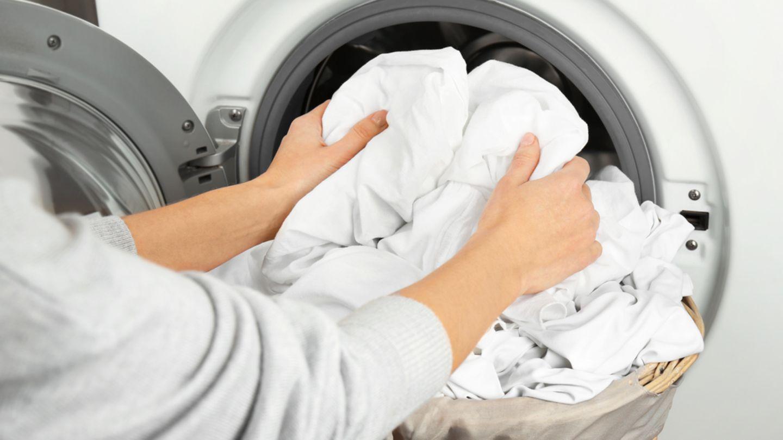 weiße wäsche waschen – darauf musst du achten | brigitte.de