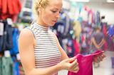 Gesund leben: Freundinnen beim Shoppen