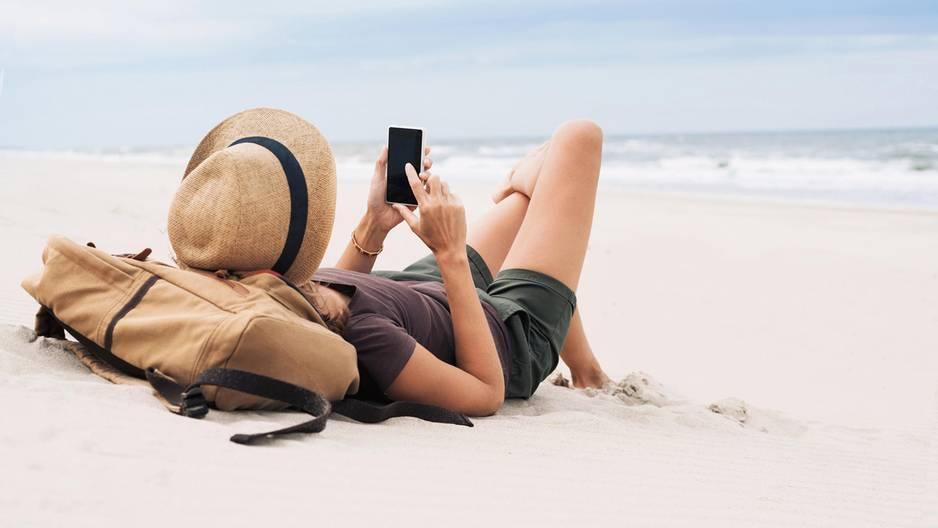 Mit diesem Satz lässt du im Urlaub die Finger vom Handy