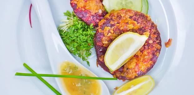 Rote-Bete-Schnitzel mit Orangensenf