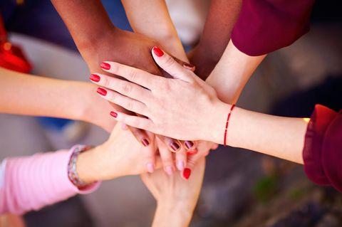 Bestseller Nagellack: Frauen mit rotem Nagellack
