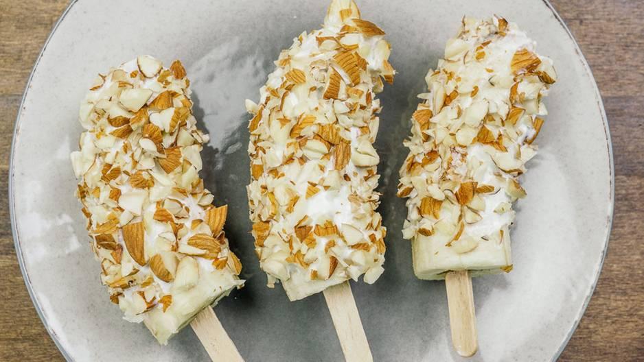 Bananen-Joghurt-Eis: Knusprig, köstlich, kerngesund!