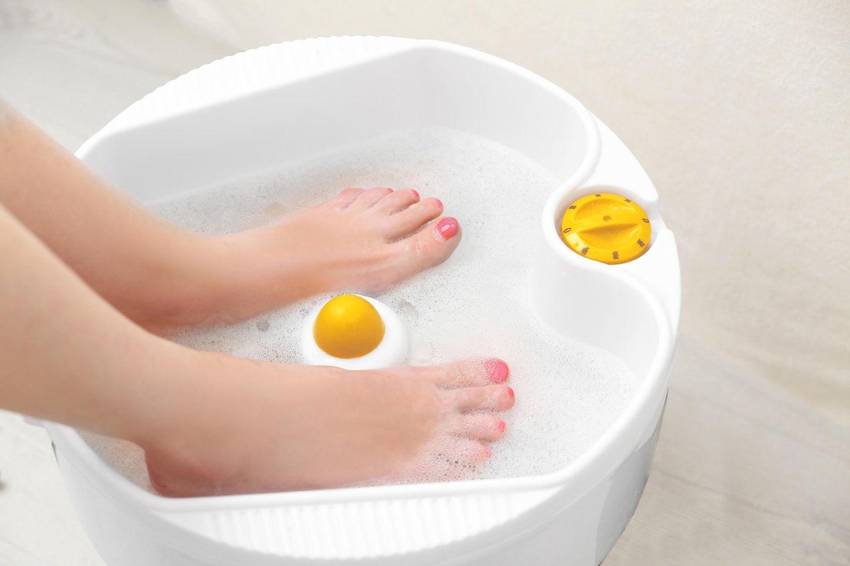 Hitzetipps der Redaktion: Fußbad mit Füßen