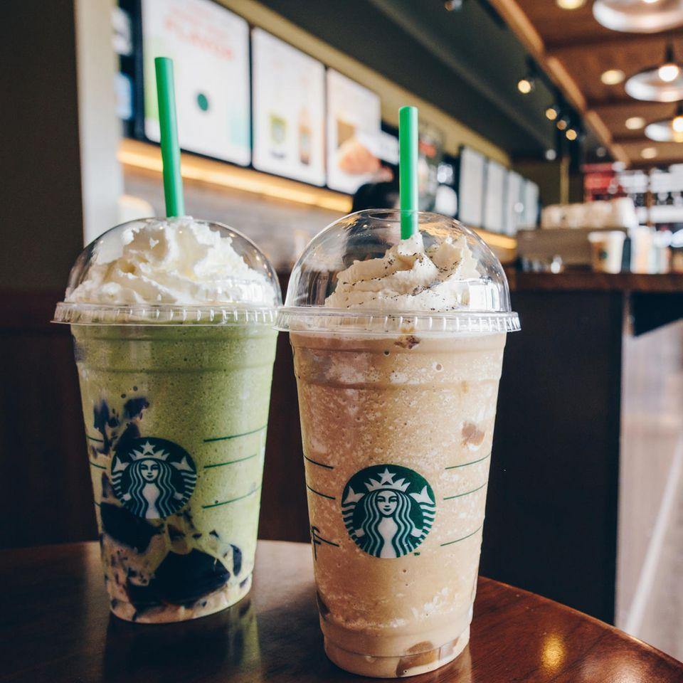 Starbucks schafft Plastikstrohhalme ab - und blamiert sich mit der Alternative komplett