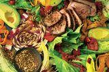 Bunter Salat mit Steak und Dukkah