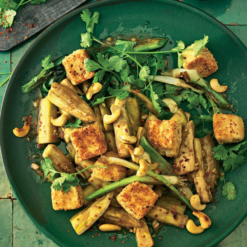 Auberginensalat mit Sesam-Tofu