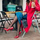 Herbsttrends 2018: Frau mit rotem Mantel