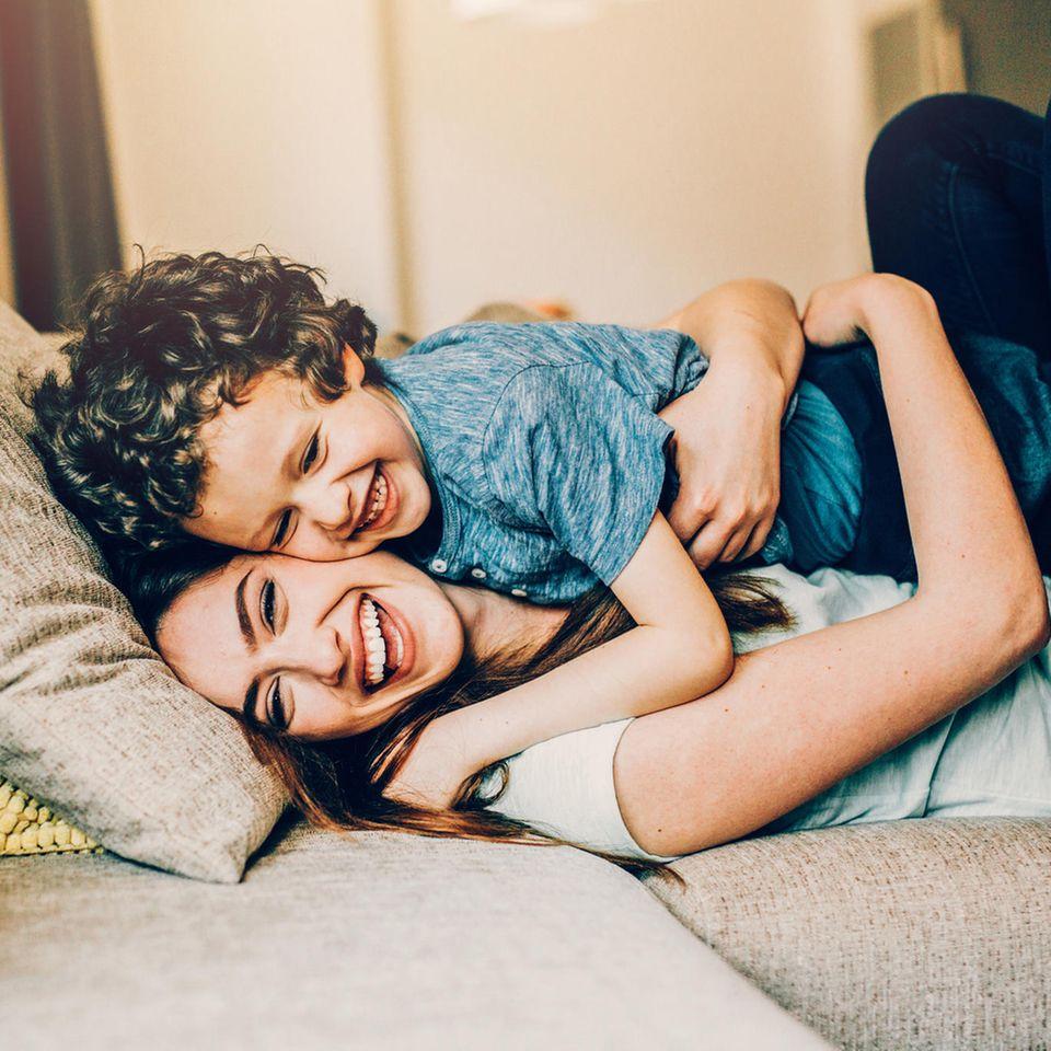 7 Anzeichen, dass aus deinem Sohn ein cooler Mann wird