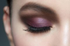 Make-up-Trends im Herbst: Lila Augen-Make-up