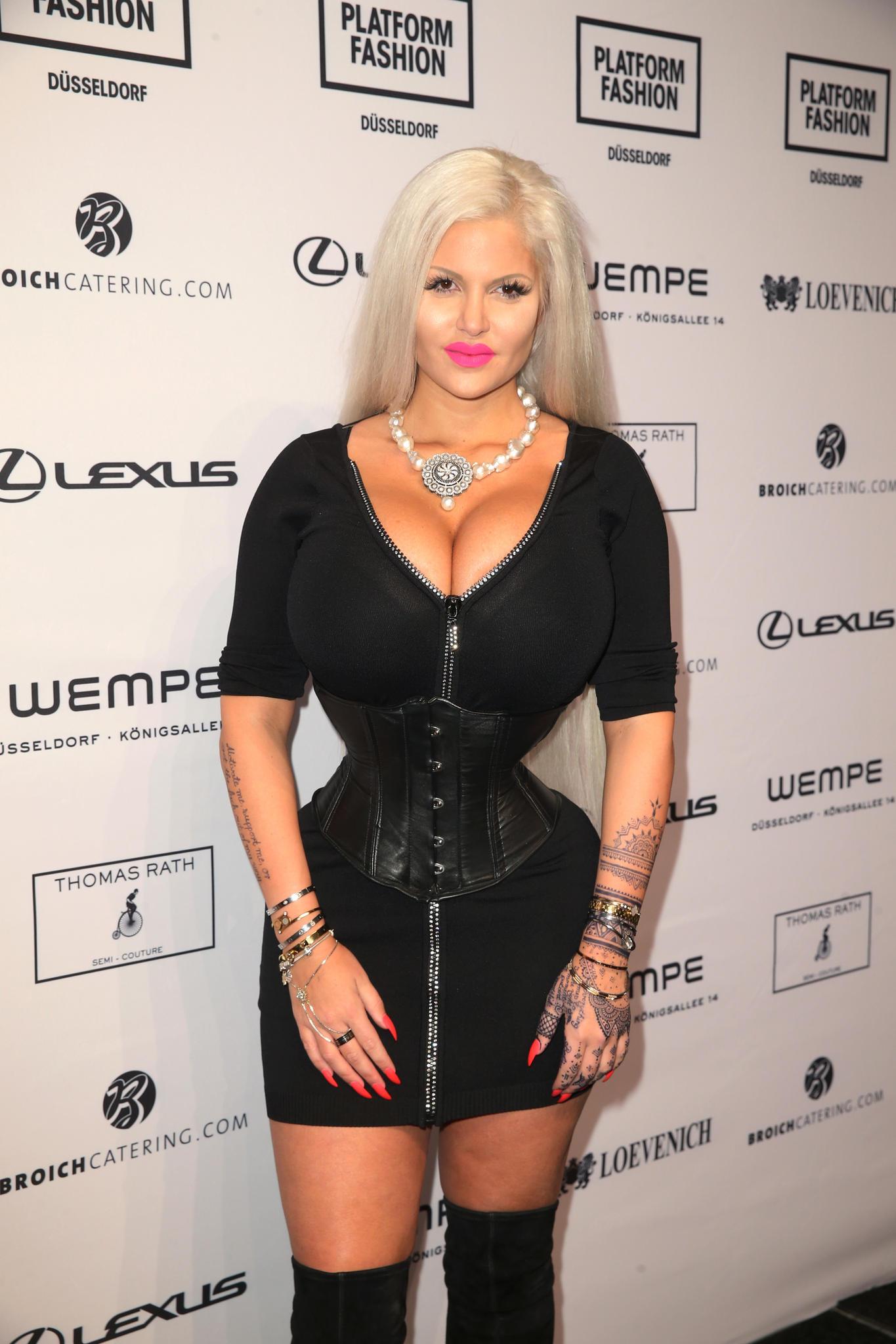 Sophia Vegas Schwanger