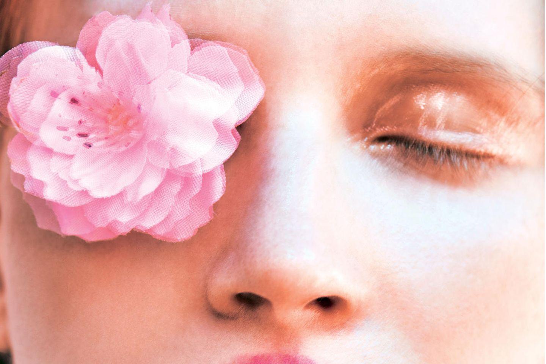 Rosa Make-up: So tragt ihr die Trendfarbe!